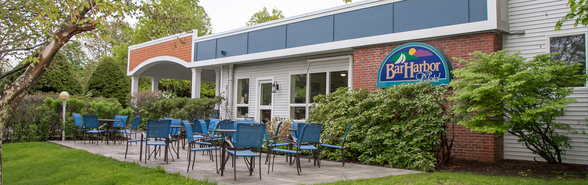 Photo of the breakfast patio at the Bar Harbor Motel
